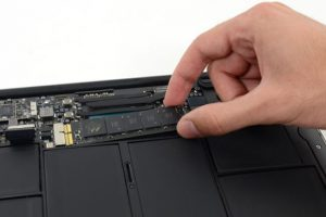 Apple отзывает флеш-накопители MacBook Air