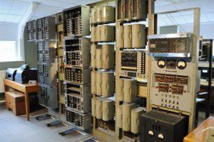 Старейший цифровой компьютер восстал из пепла